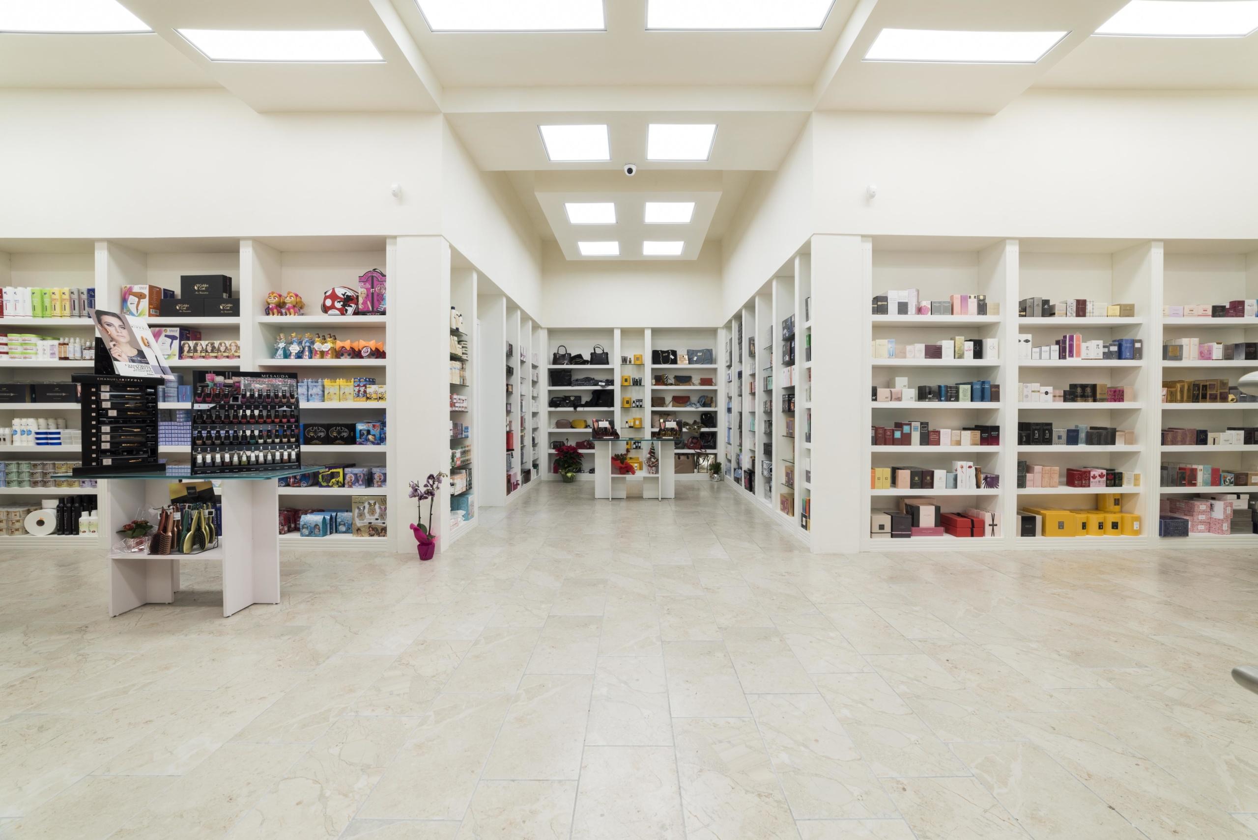 Fotografo Cava Dei Tirreni servizio fotografico di interni per negozio di profumeria